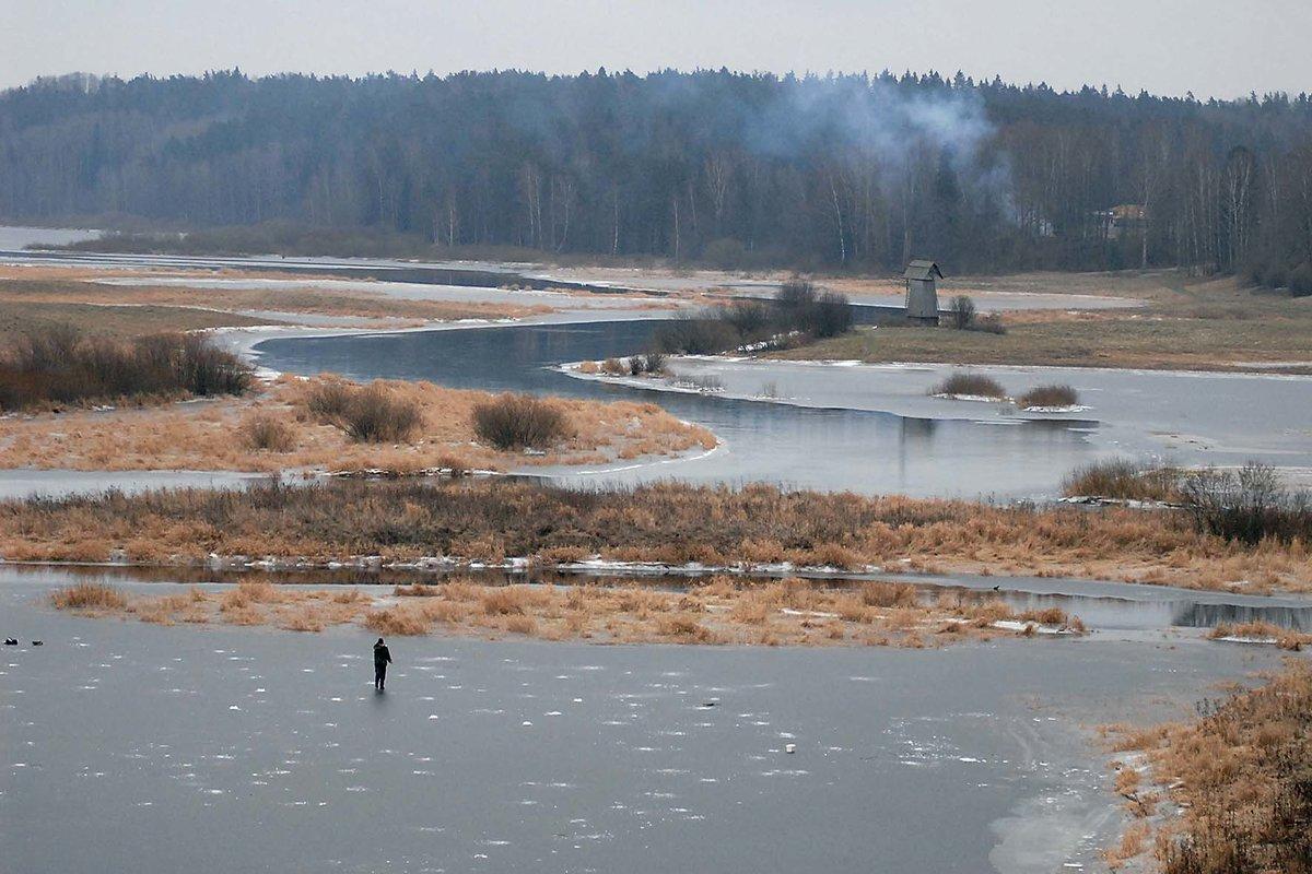 Зиму ждет природа снег еще не выпал - Вячеслав