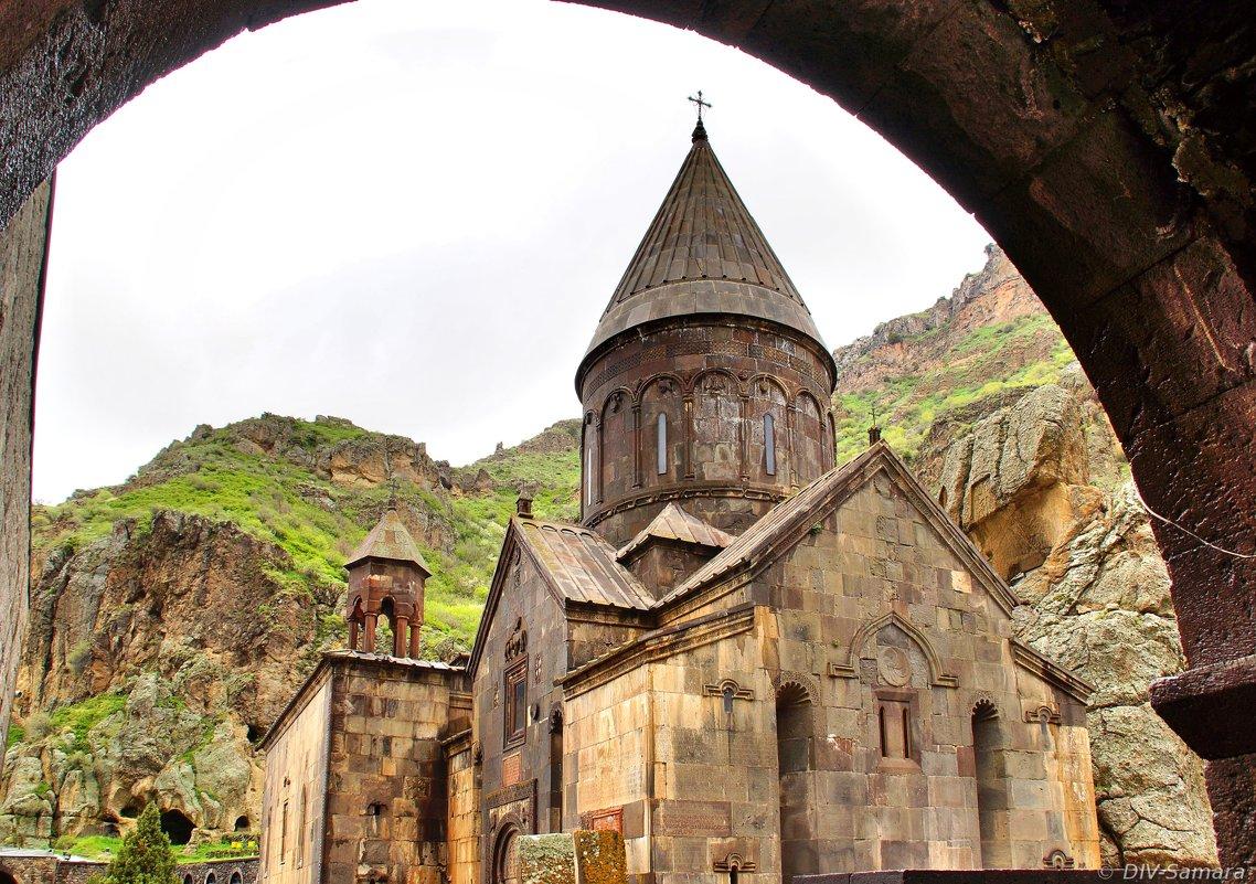 Монастырь Гегард в Армении - Денис Кораблёв