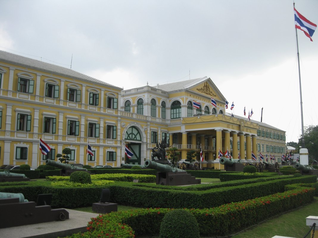 Бангкок. Здание министерства обороны. - Лариса (Phinikia) Двойникова