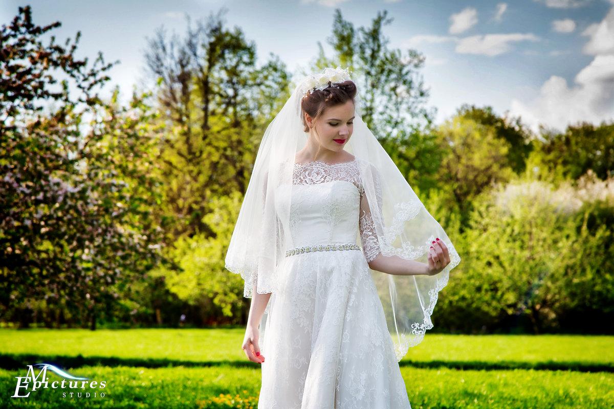 задумчивая невеста - Егор Чеботаренко