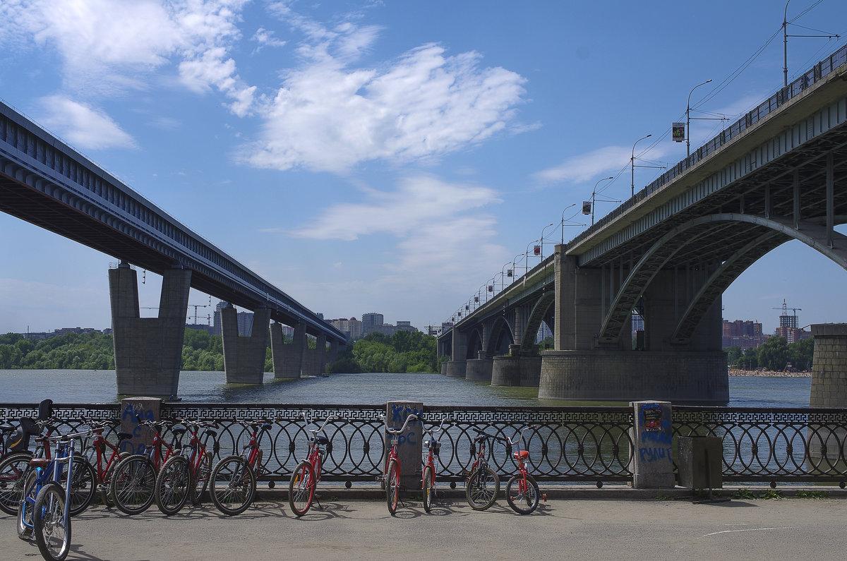 Два моста - Михаил Измайлов