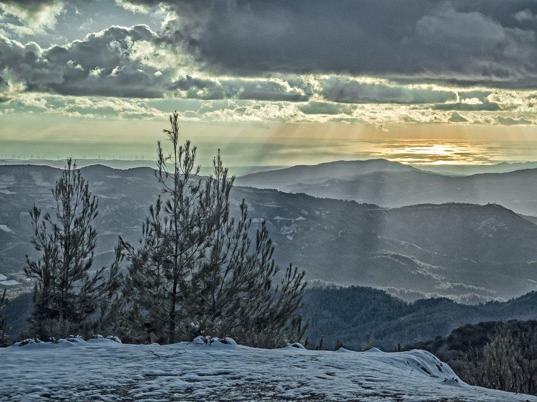Снег в горах Кипра - Виталий Авакян