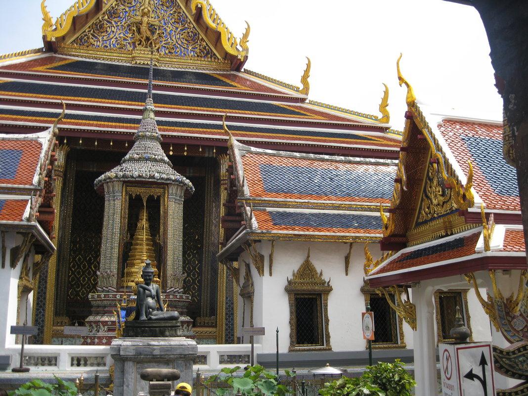 Бангкок. Храм Изумрудного Будды. - Лариса (Phinikia) Двойникова