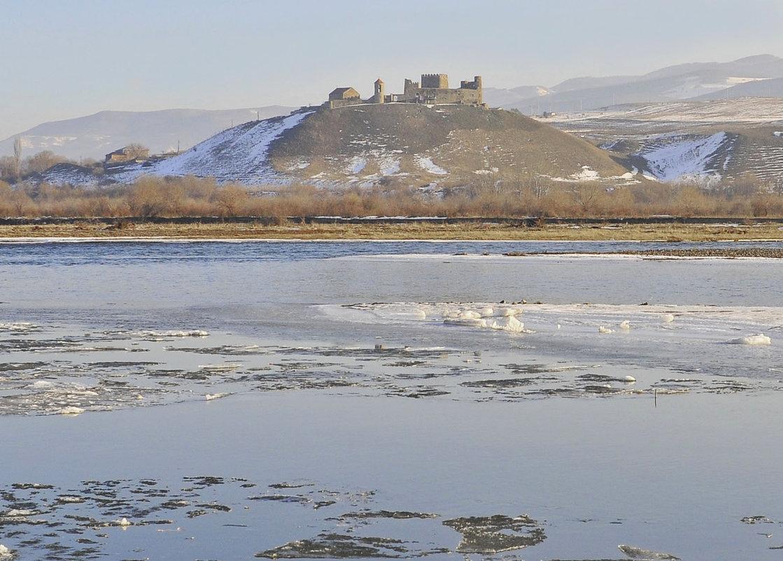 Замок Самцевриси VII век. - temo tega