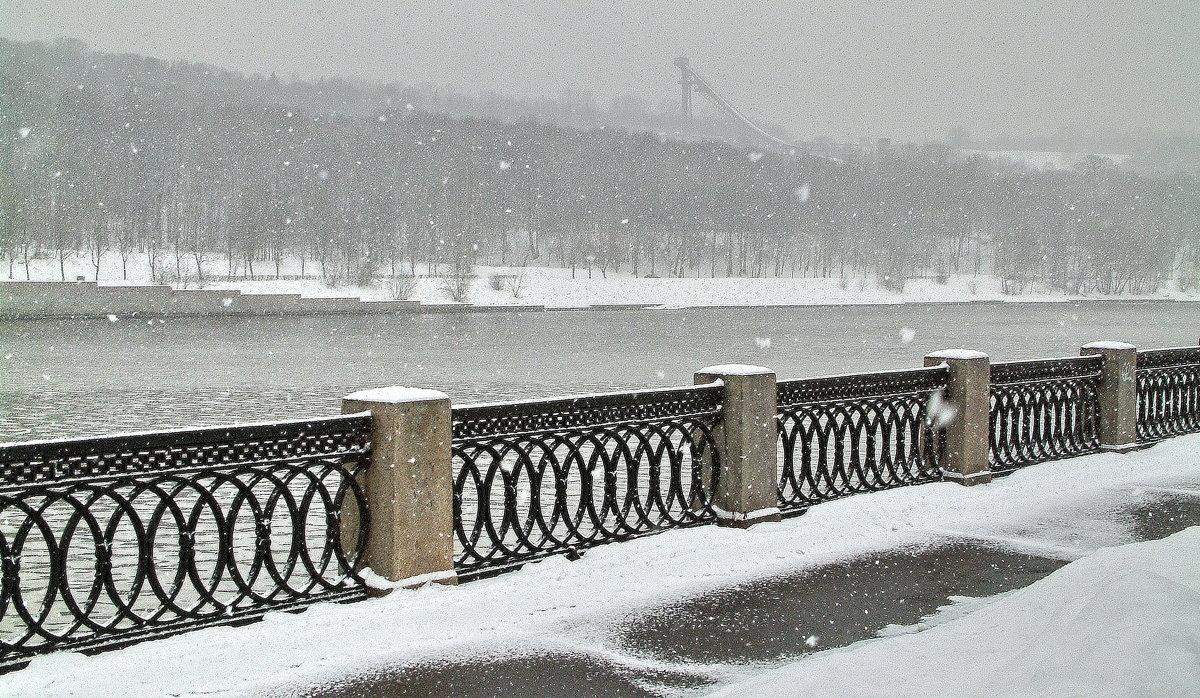 А снег идёт... - Владимир однакО...