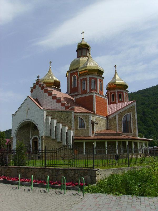 Греко - католический   храм  в   Яремче - Андрей  Васильевич Коляскин