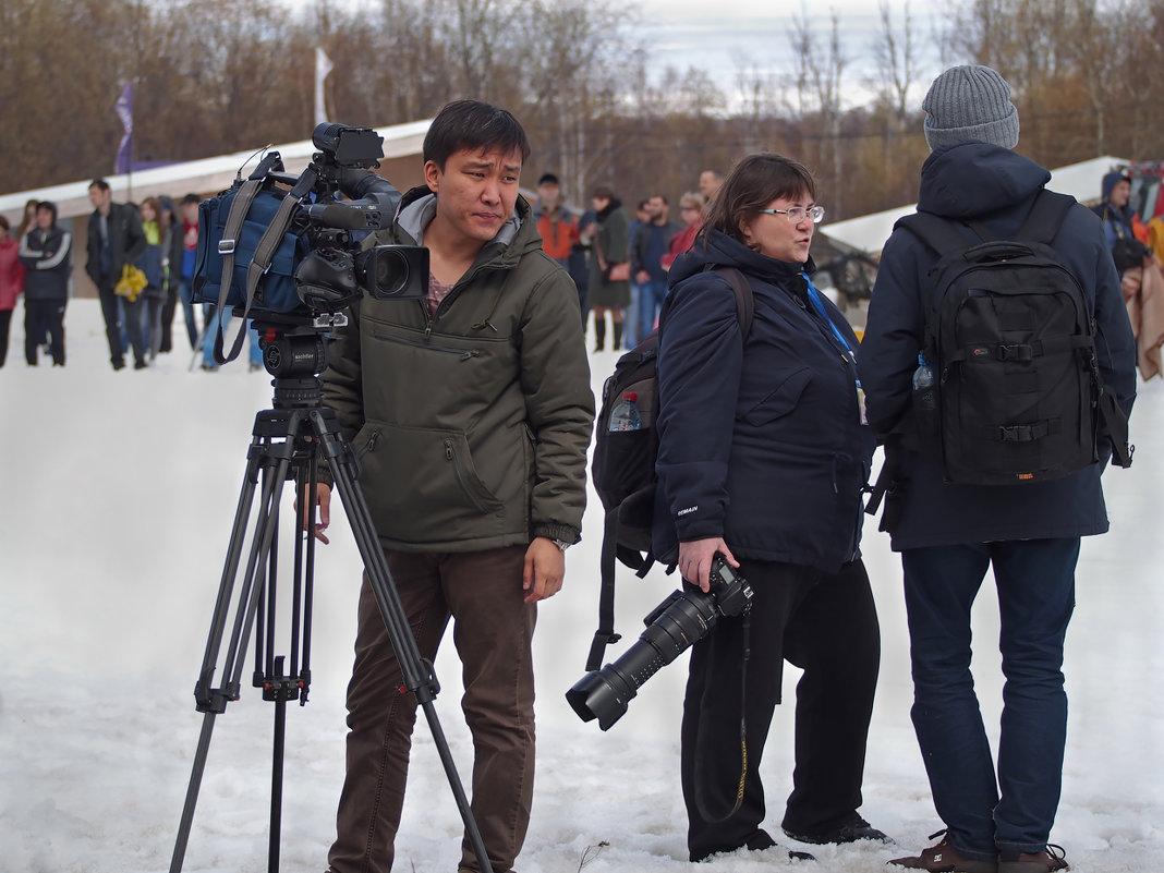 В Байкальске на горнолыжке - спуск в купальниках! - Александр Попов