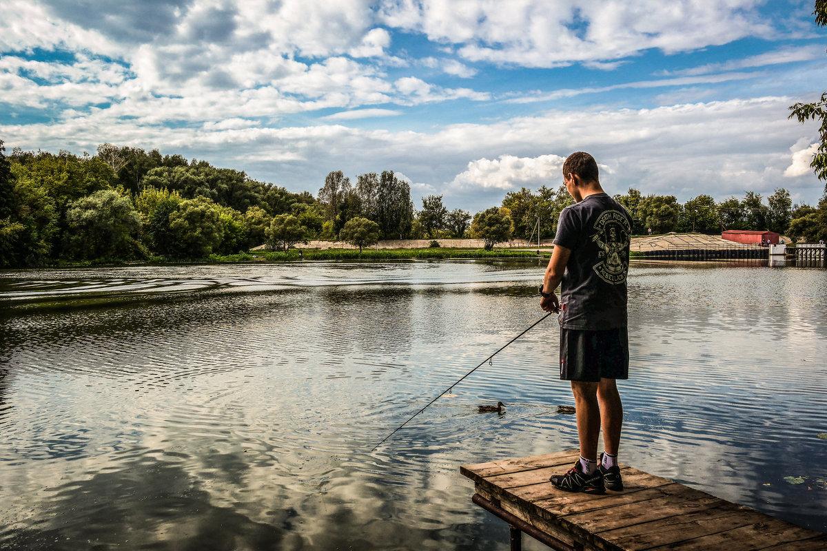 На рыбалке.................... - Александр Селезнев