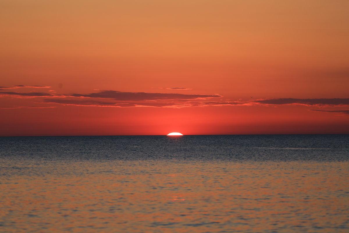 Закат солнца - valeriy khlopunov