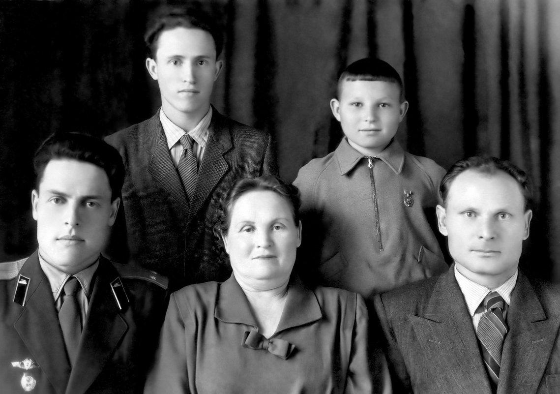 Семейное фото - Михаил Костоломов