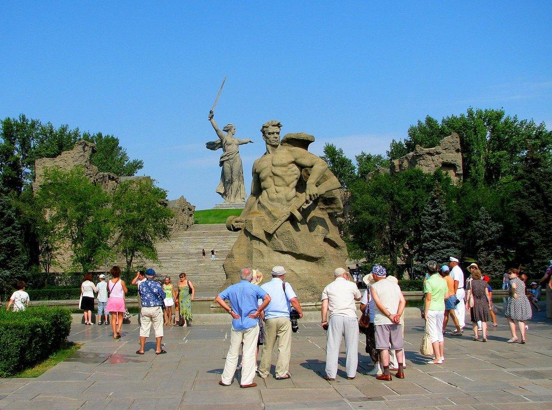 РОДИНА МАТЬ И СЫНЫ - Анатолий Восточный