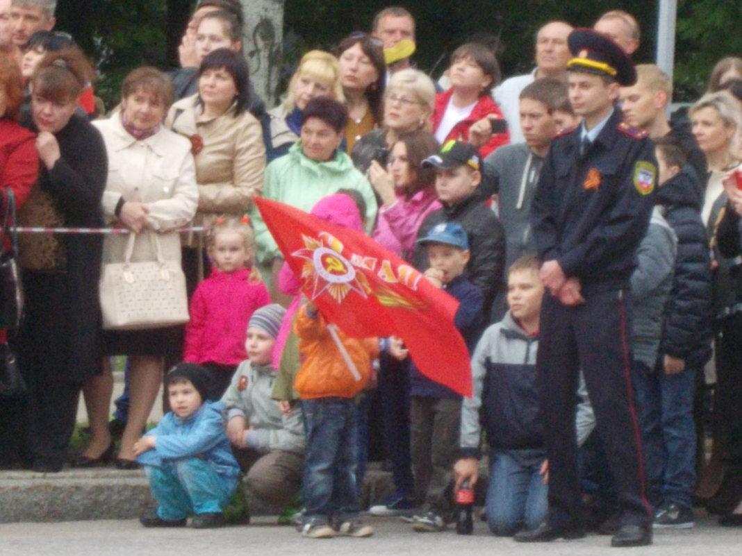 Парад Победы дети Донецк 9 мая 2017 год - Владимир