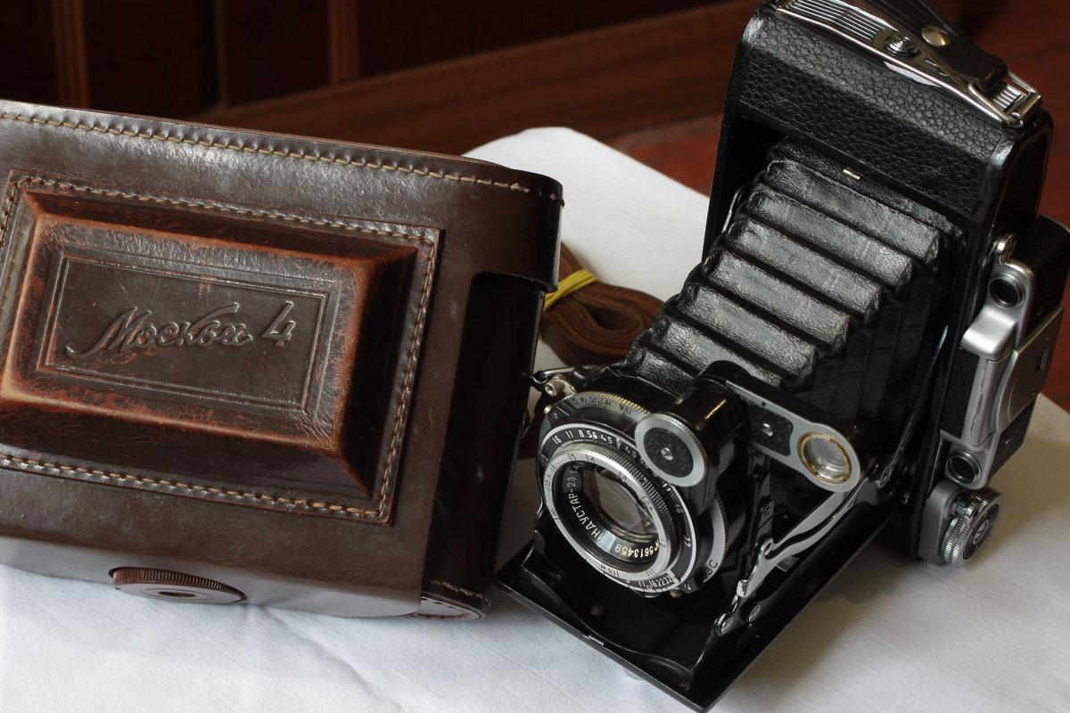 Среднеформатный фотоаппарат Москва 4.СССР-1956г - Виталий Виницкий