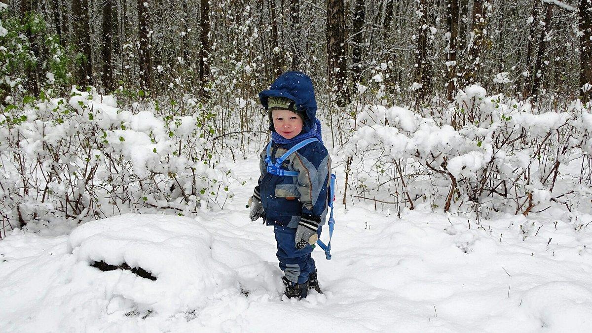 Погулять по снегу в мае (малыш Лёва). - Милешкин Владимир Алексеевич
