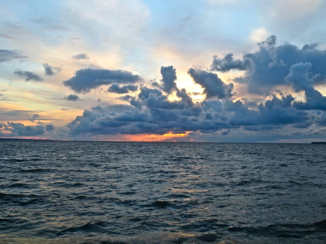закат над заливом - Елена