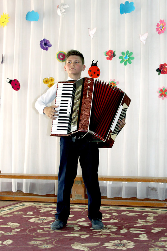 Конкурент учителя музыки - Михаил Костоломов