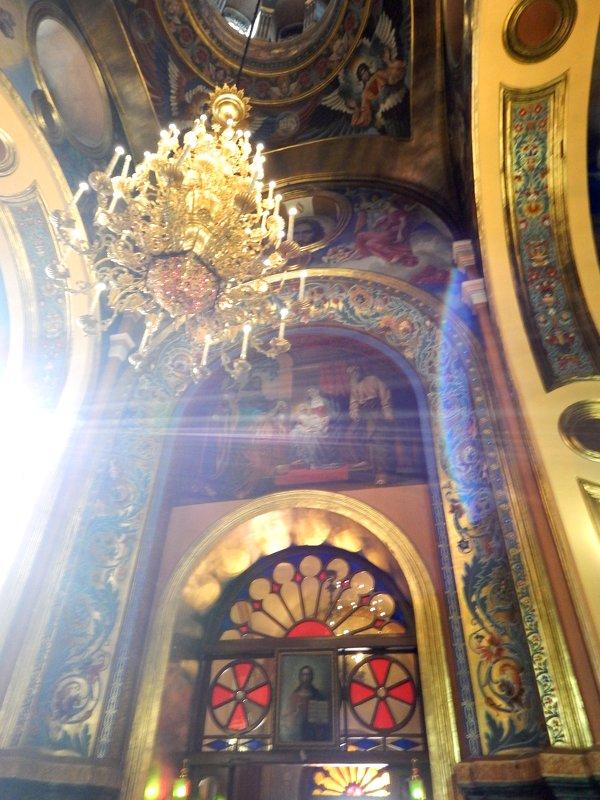Интерьер храма - Оксана Тарасенко
