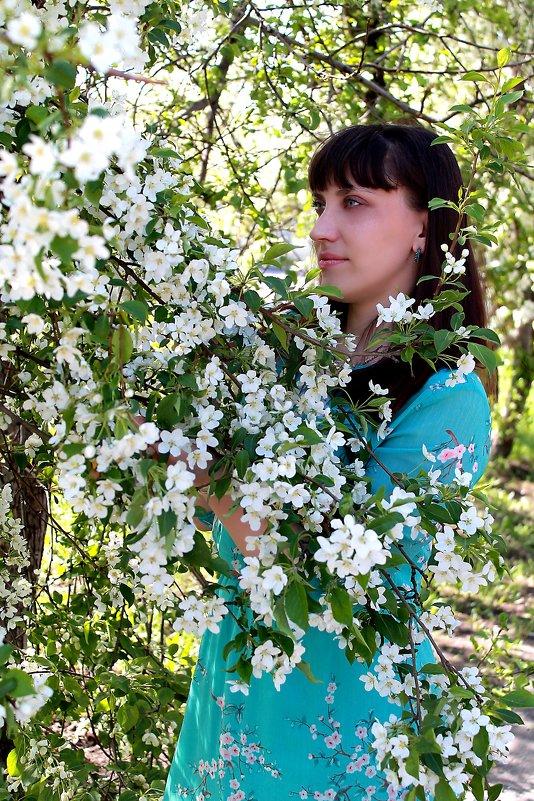 Цветут цветы - Надежда Смирнова