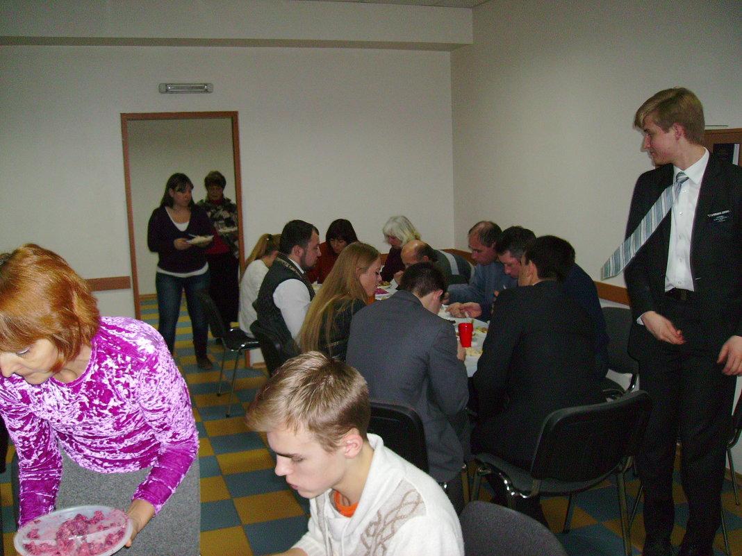 Рождественский   вечер   в   мормонском   приходе   Ивано - Франковска - Андрей  Васильевич Коляскин