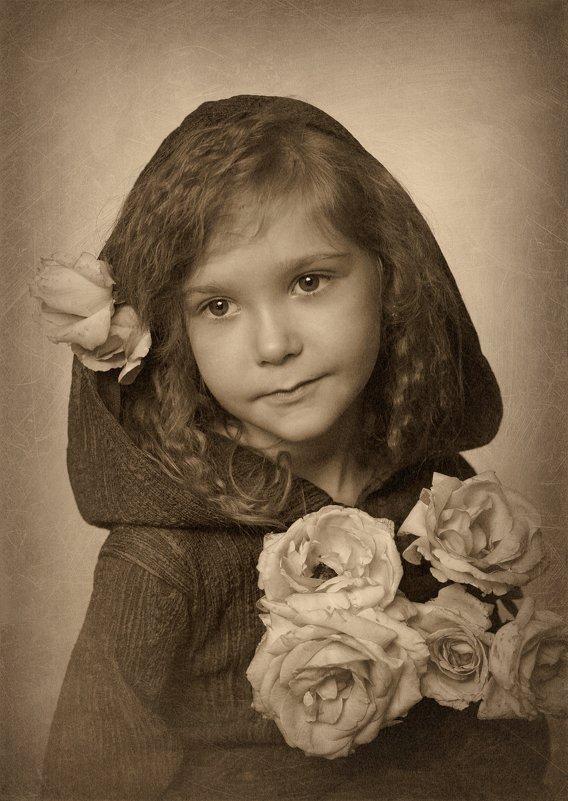 Девочка с розами - Римма Алеева