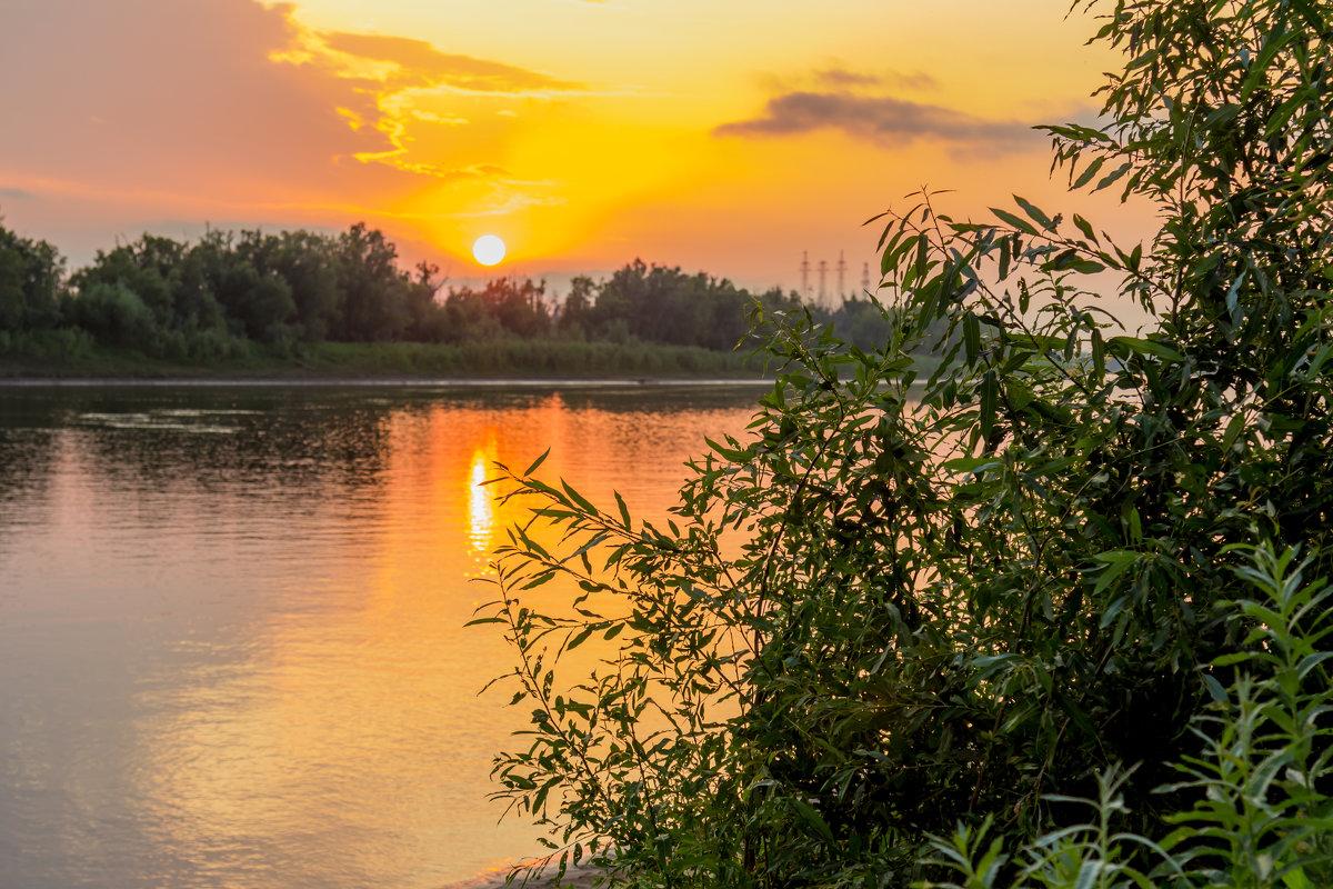 Закат над рекой - Андрей Кузнецов