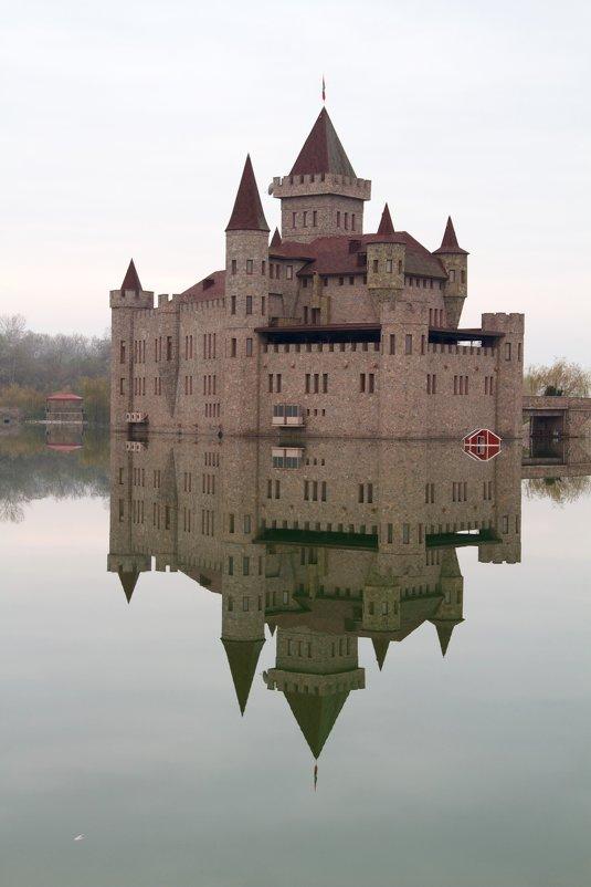 шато эркен замок фото
