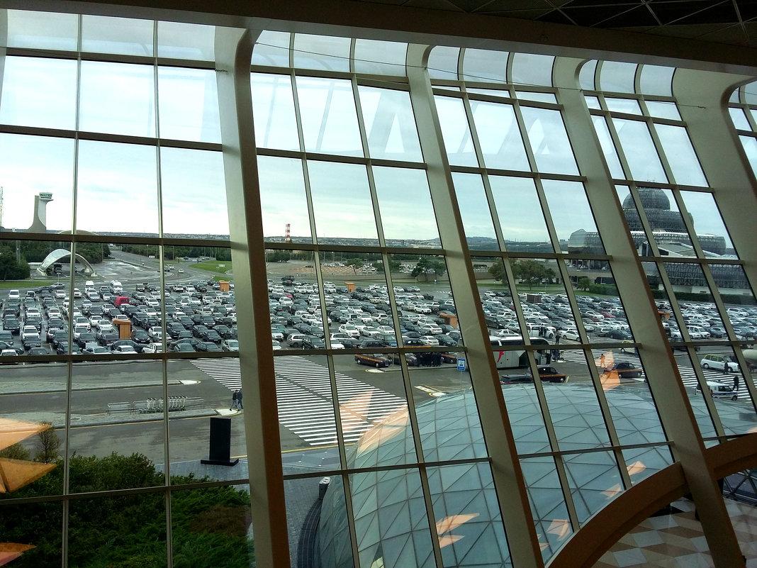 Международный аэропорт г.Баку - Алла ZALLA