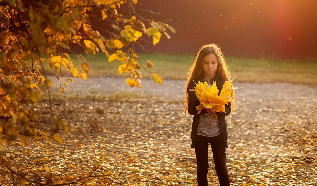С осенними листьями - Вера Сафонова