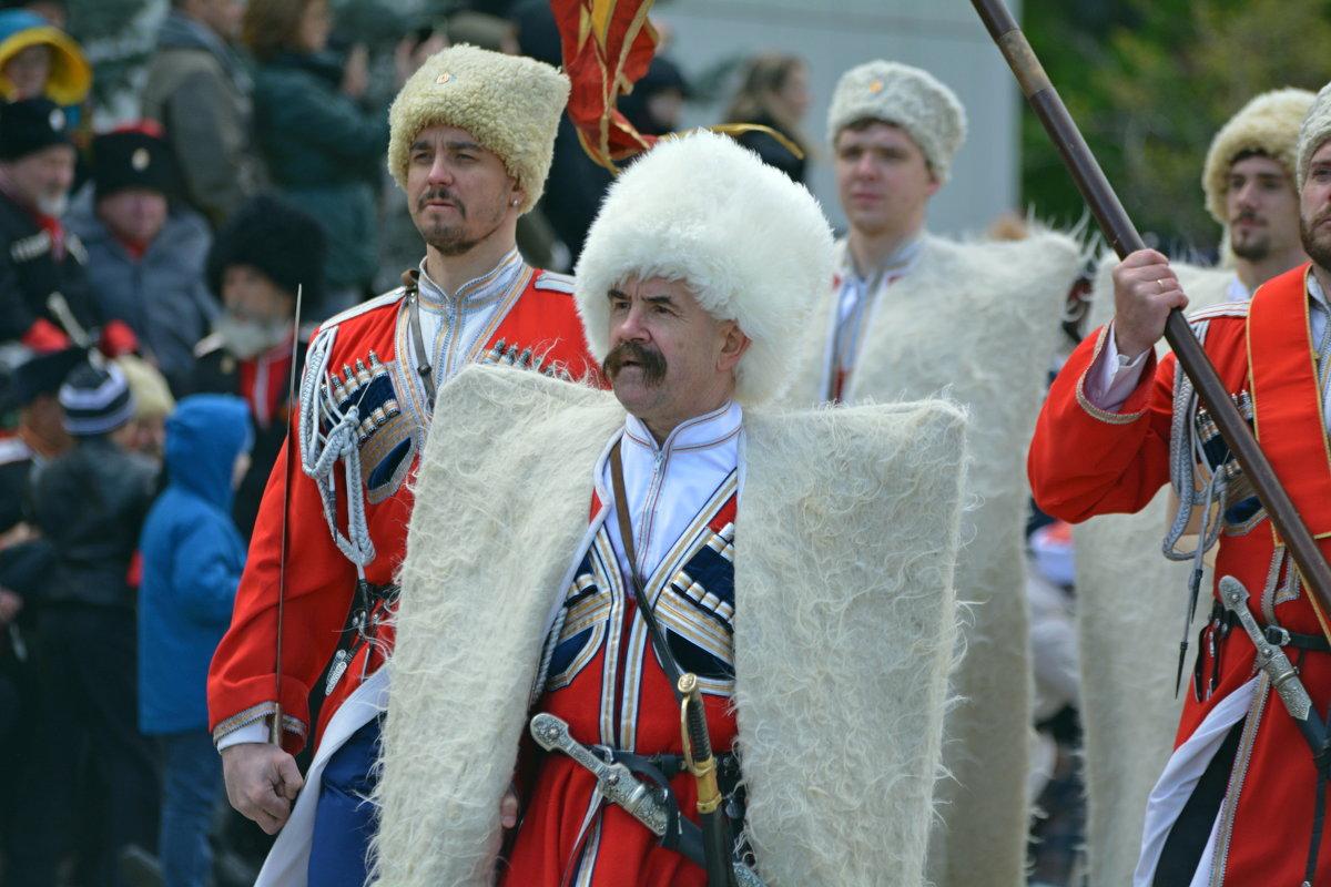На параде - Петр Заровнев