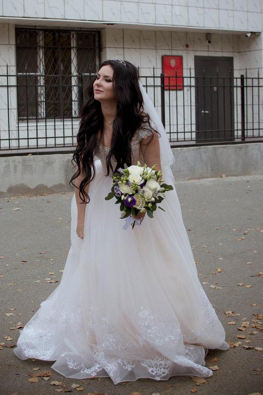 Свадьба только началась, а невеста уже устала :)) - Ксения Остапенко