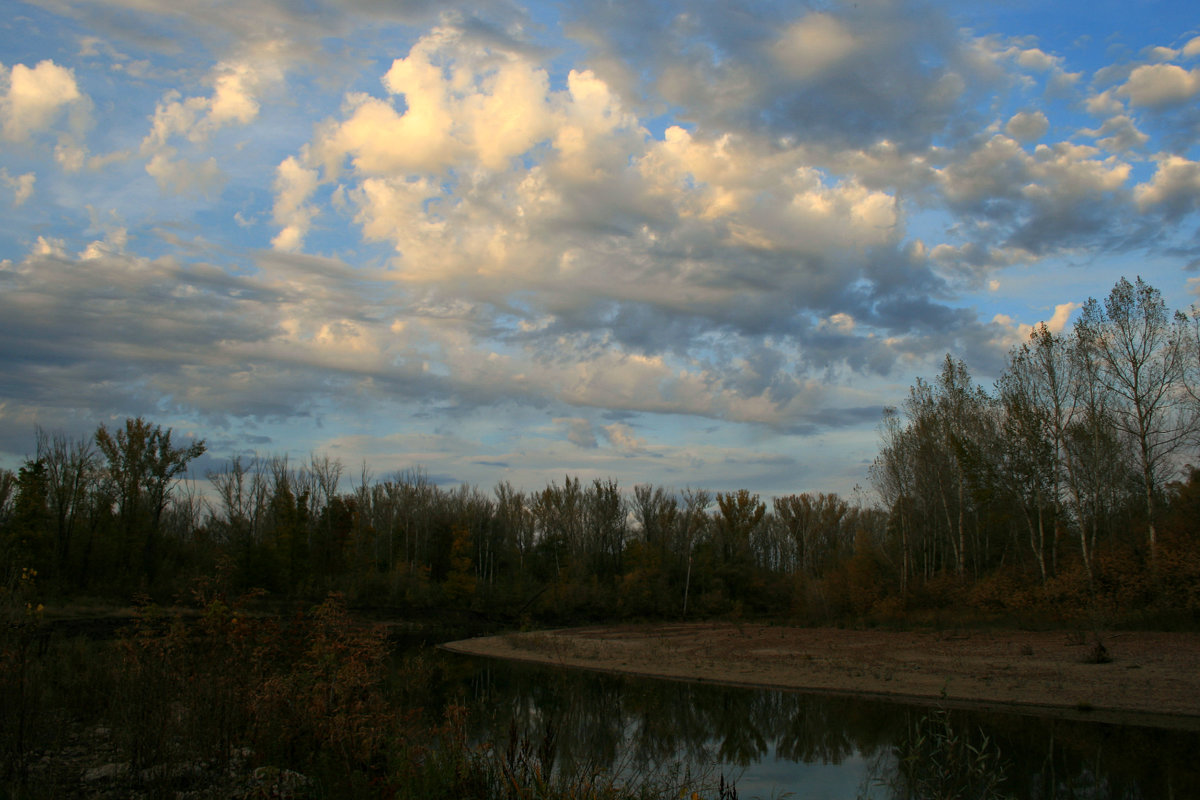 Плывут по небу облака... - Евгений Юрков