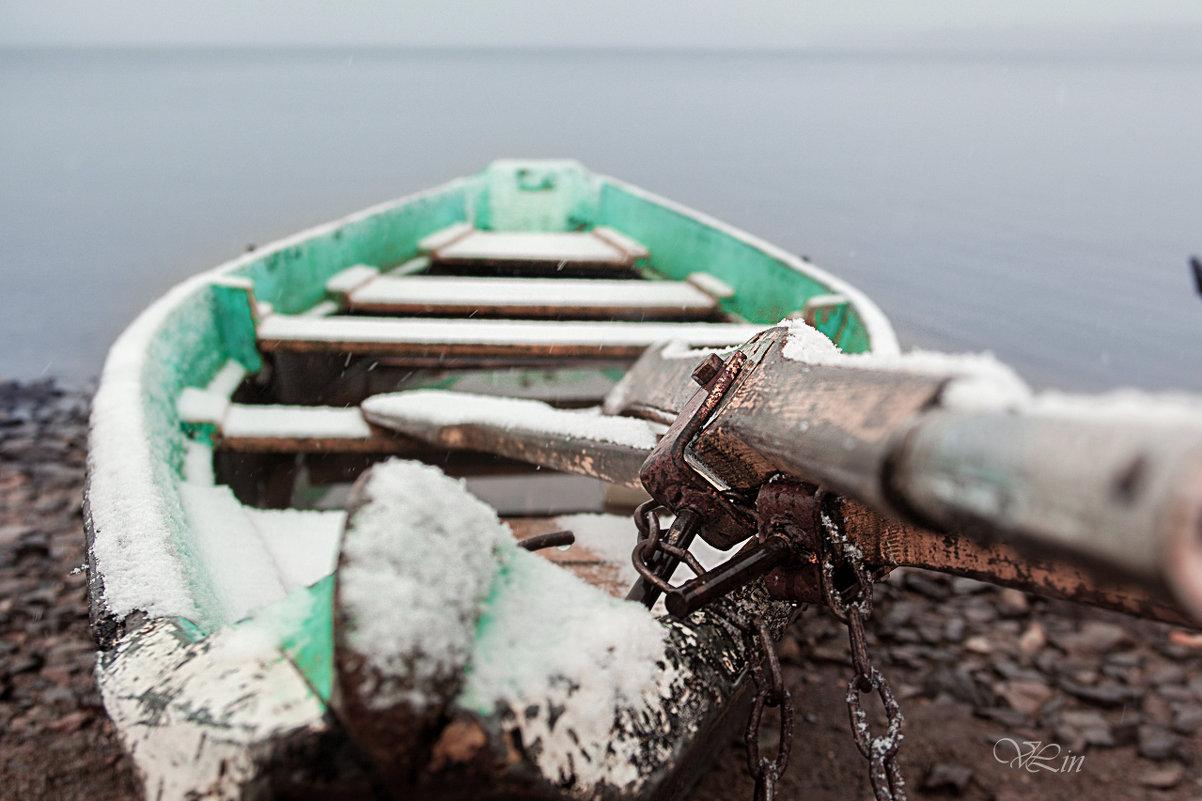 Первый снег и лодка - Вячеслав Ложкин