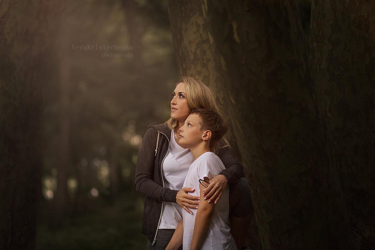 мама и сын - Вера Кристеченко