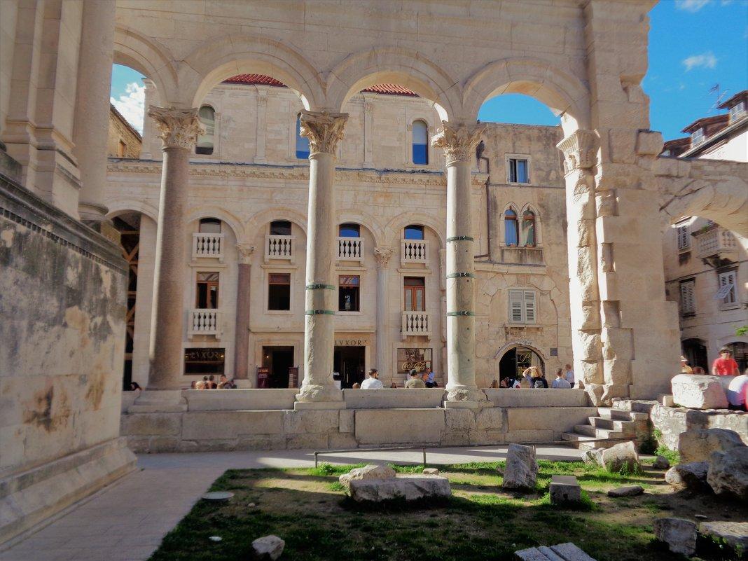 Сплит. Остатки дворца Диоклетиана. - Лара Амелина
