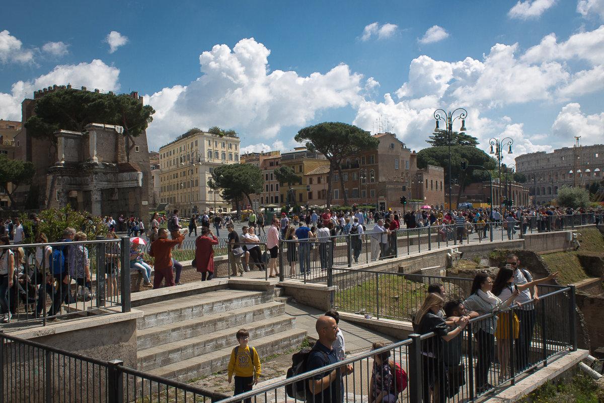 """""""Все дороги ведут в Рим..."""" ( средневековая поговорка ). - Надежда"""