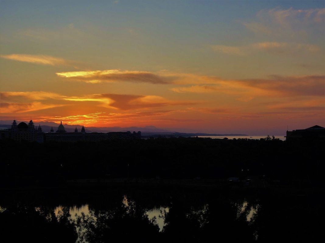 Рассвет над Сиде... - Sergey Gordoff
