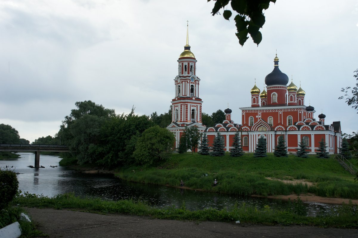 Воскресенский собор. Слева Соборный (Живой) мост через Перерытицу (Порусья) - Елена Павлова (Смолова)