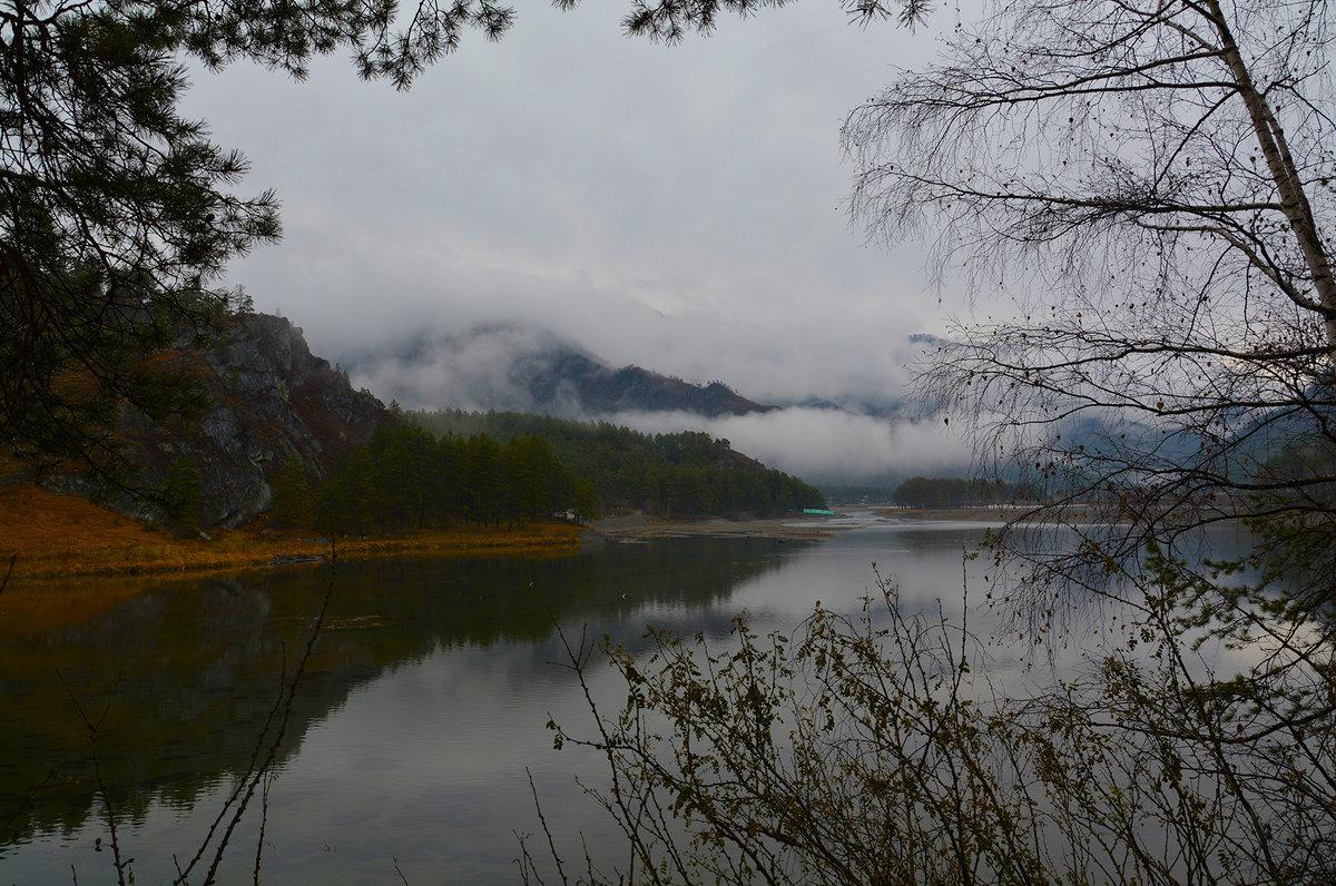 У Чемальской ГЭС. - Валерий Медведев