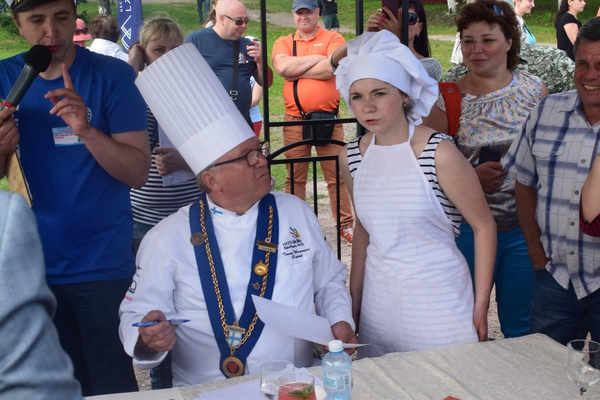 Дегустация ухи шеф поваром из Карельской горницы. - Андрей