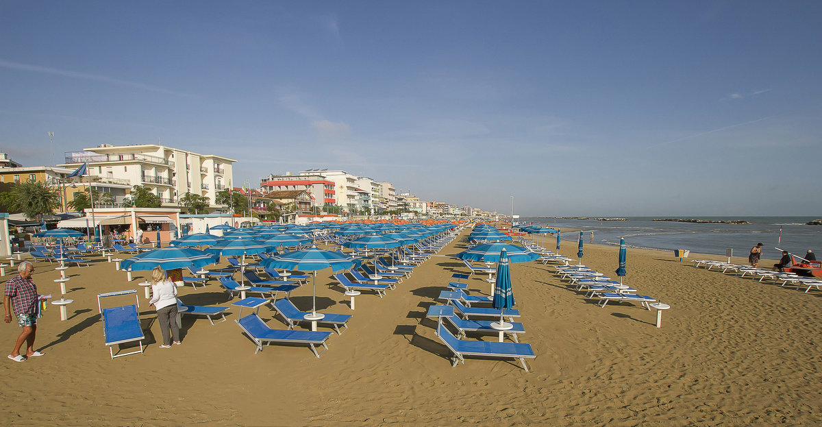 Пляж в Римини - leo yagonen