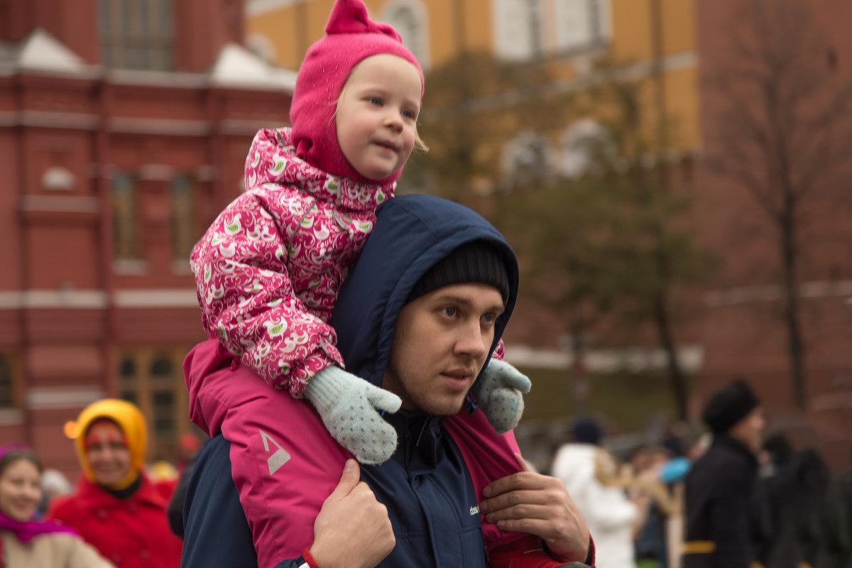 Папа с дочкой - Александра