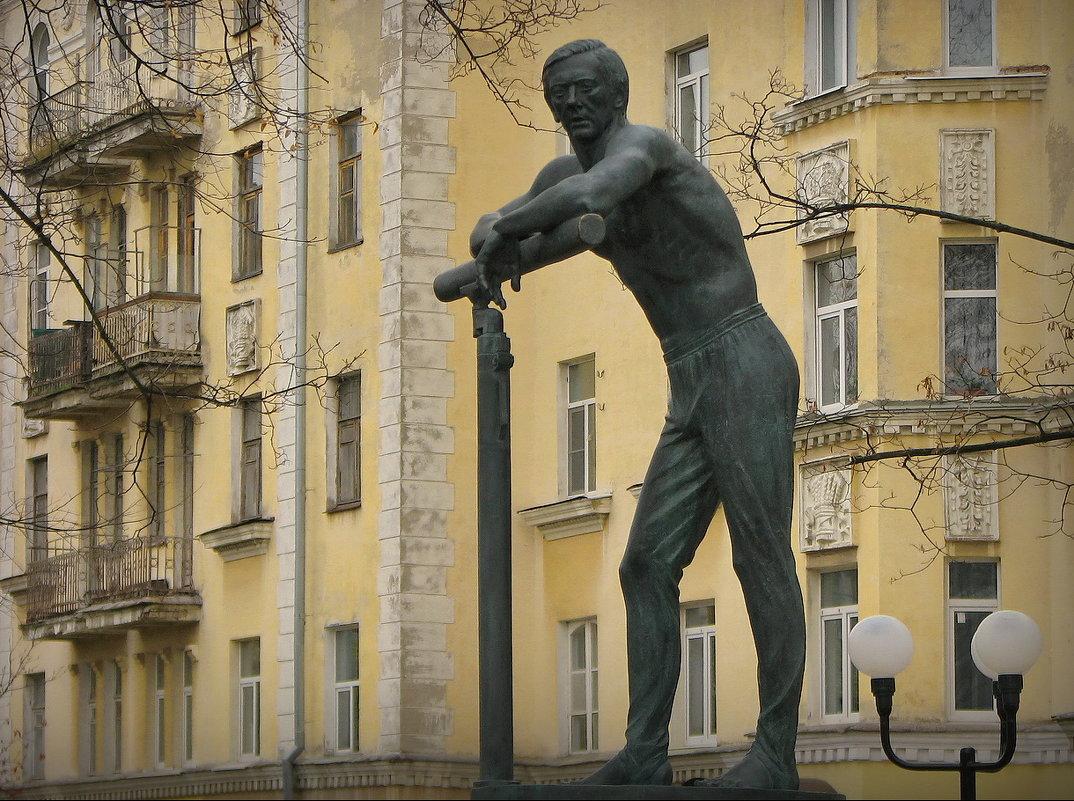 Памятник Андрианову Н. Е. ! - Владимир Шошин