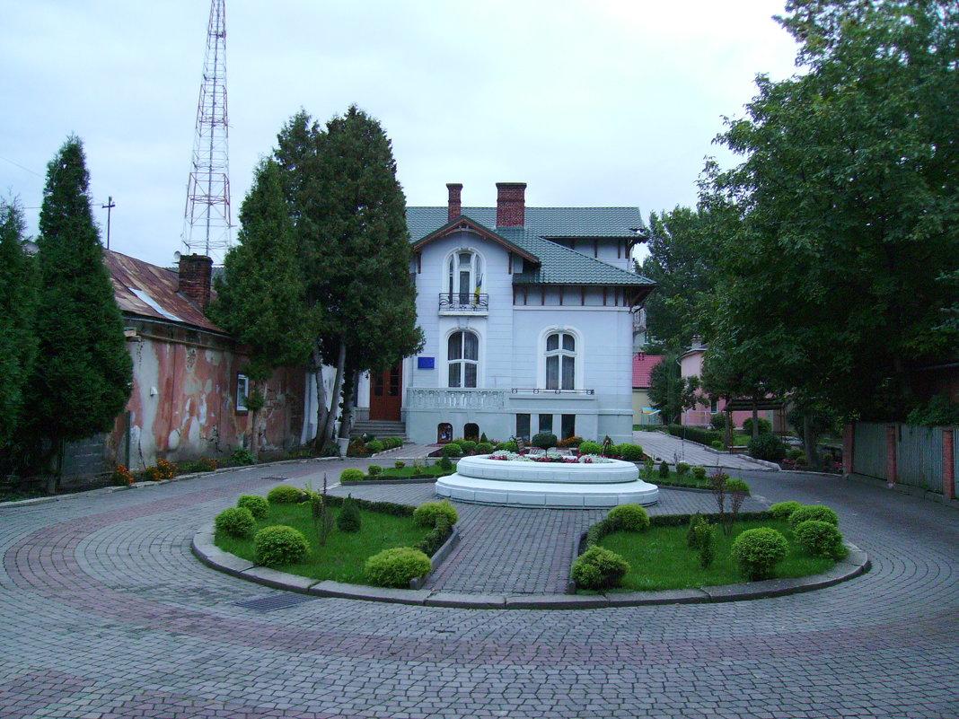 Детский   сад   в    Ивано - Франковске - Андрей  Васильевич Коляскин