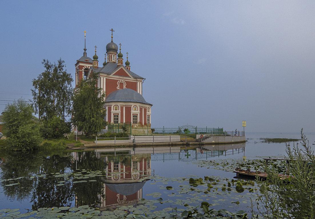 Умели выбирать места для храмов - Сергей Цветков