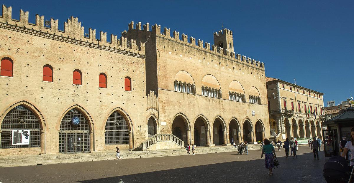 Дворец Средневекового Собрания - leo yagonen