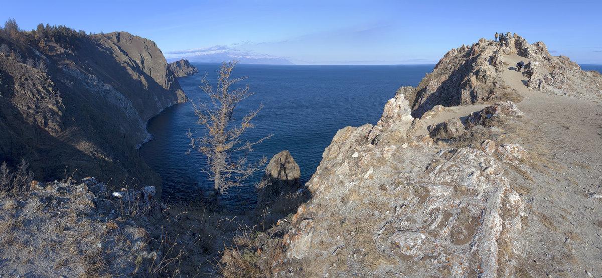 Скалистый восточный берег Ольхона - Анатолий Иргл