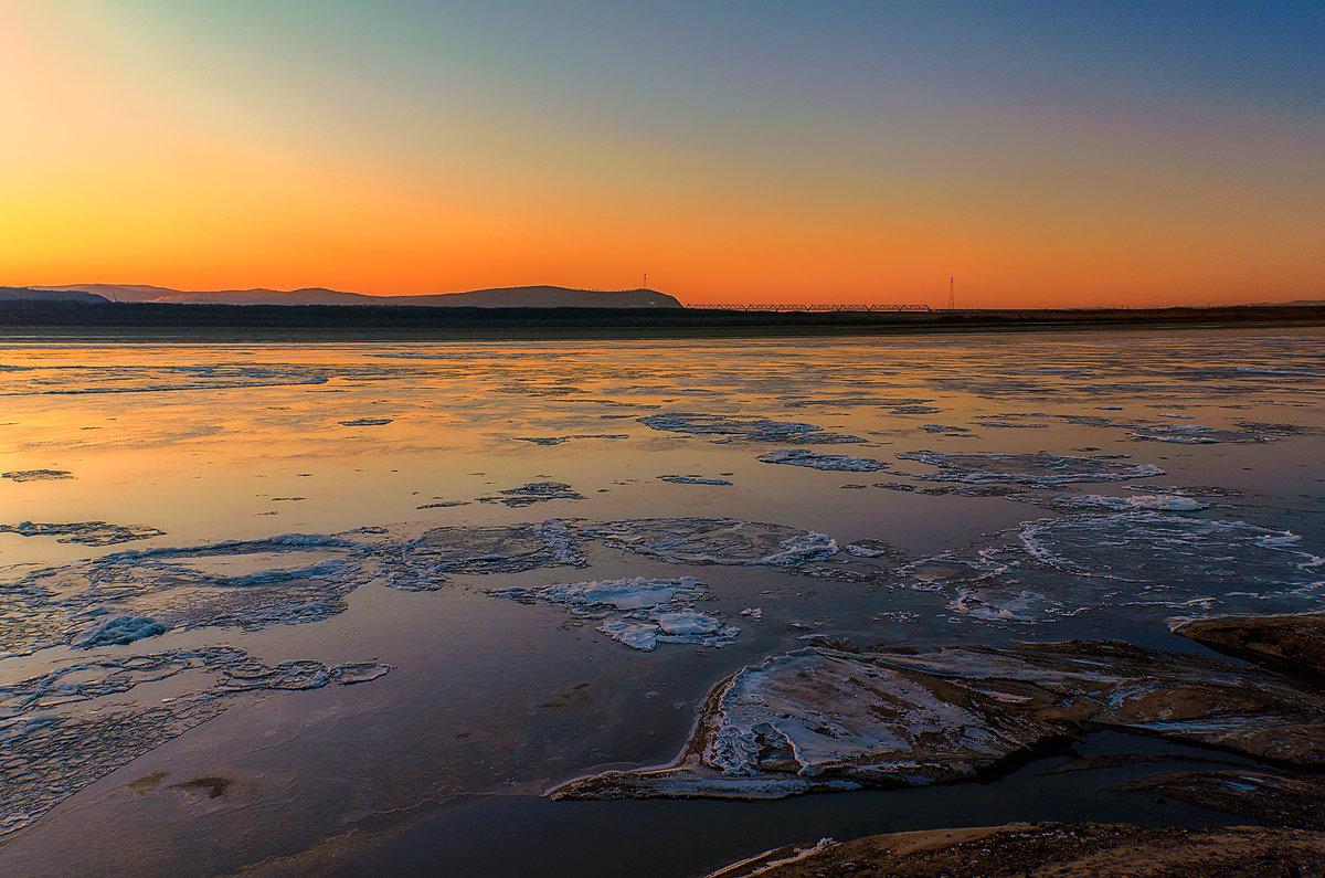 Замерзающий Амур на рассвете. - Виктор Иванович