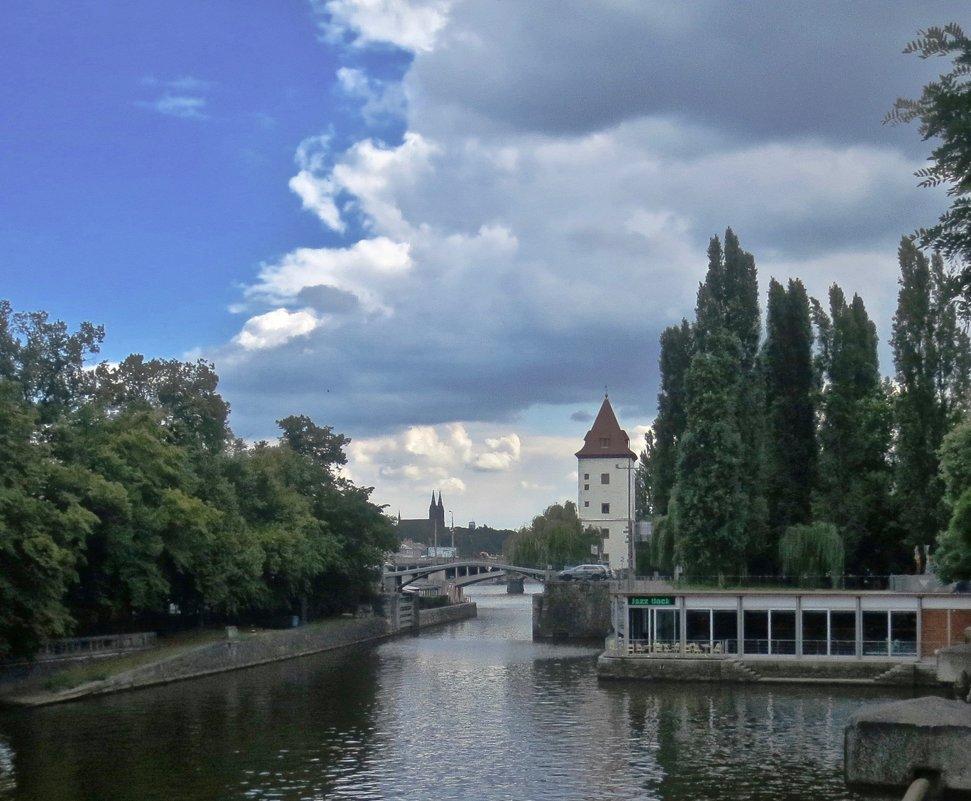 тучи над Прагой - Елена