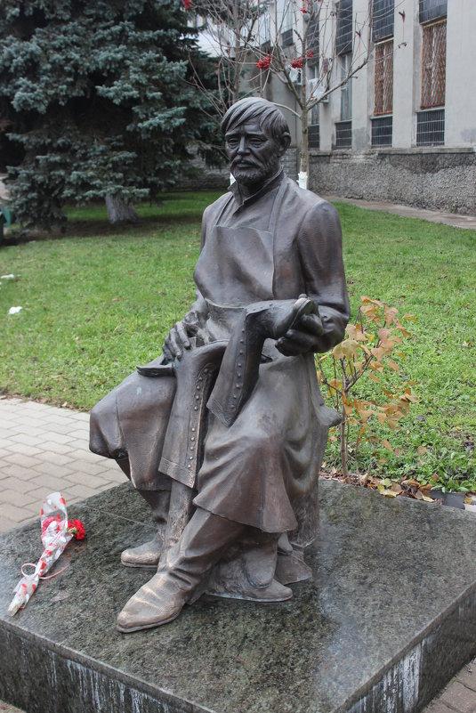 Кимры. Памятник сапожнику - Дмитрий Солоненко