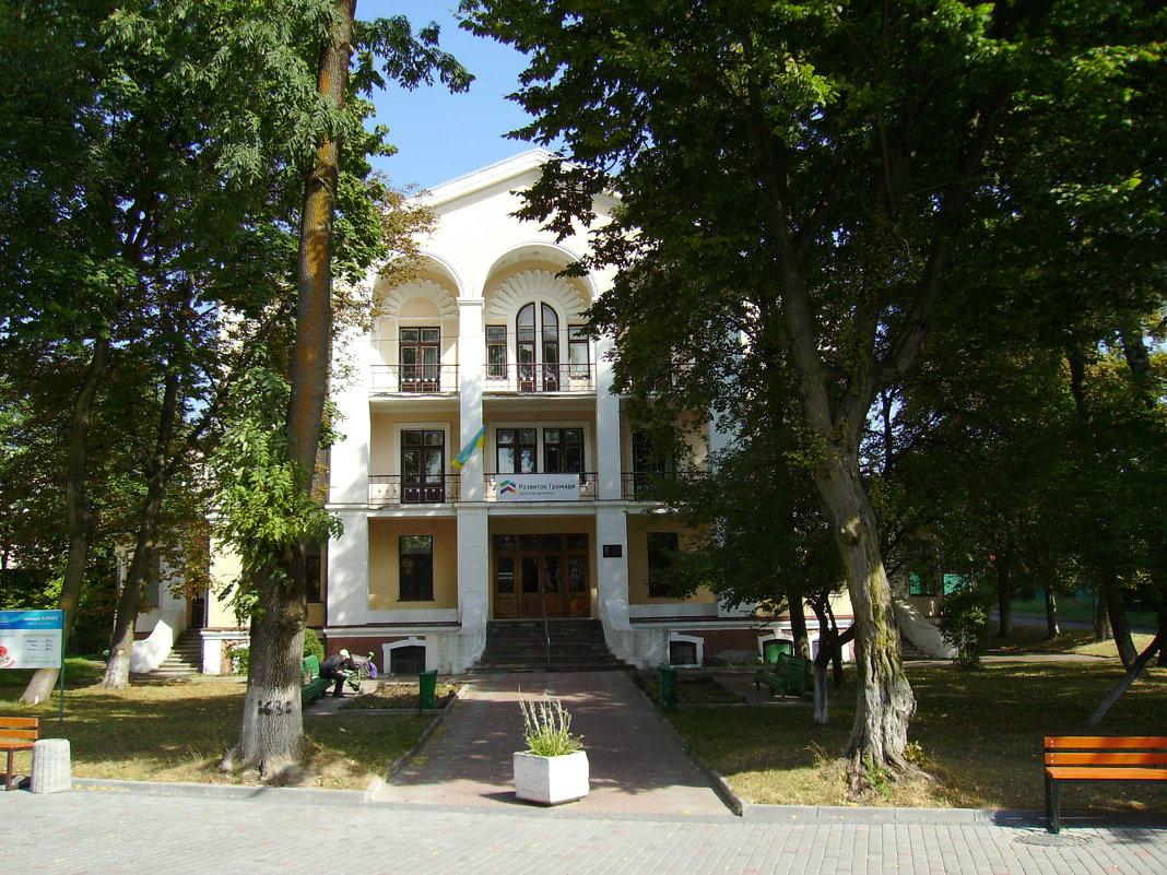 Административное   здание   в   Трускавце - Андрей  Васильевич Коляскин